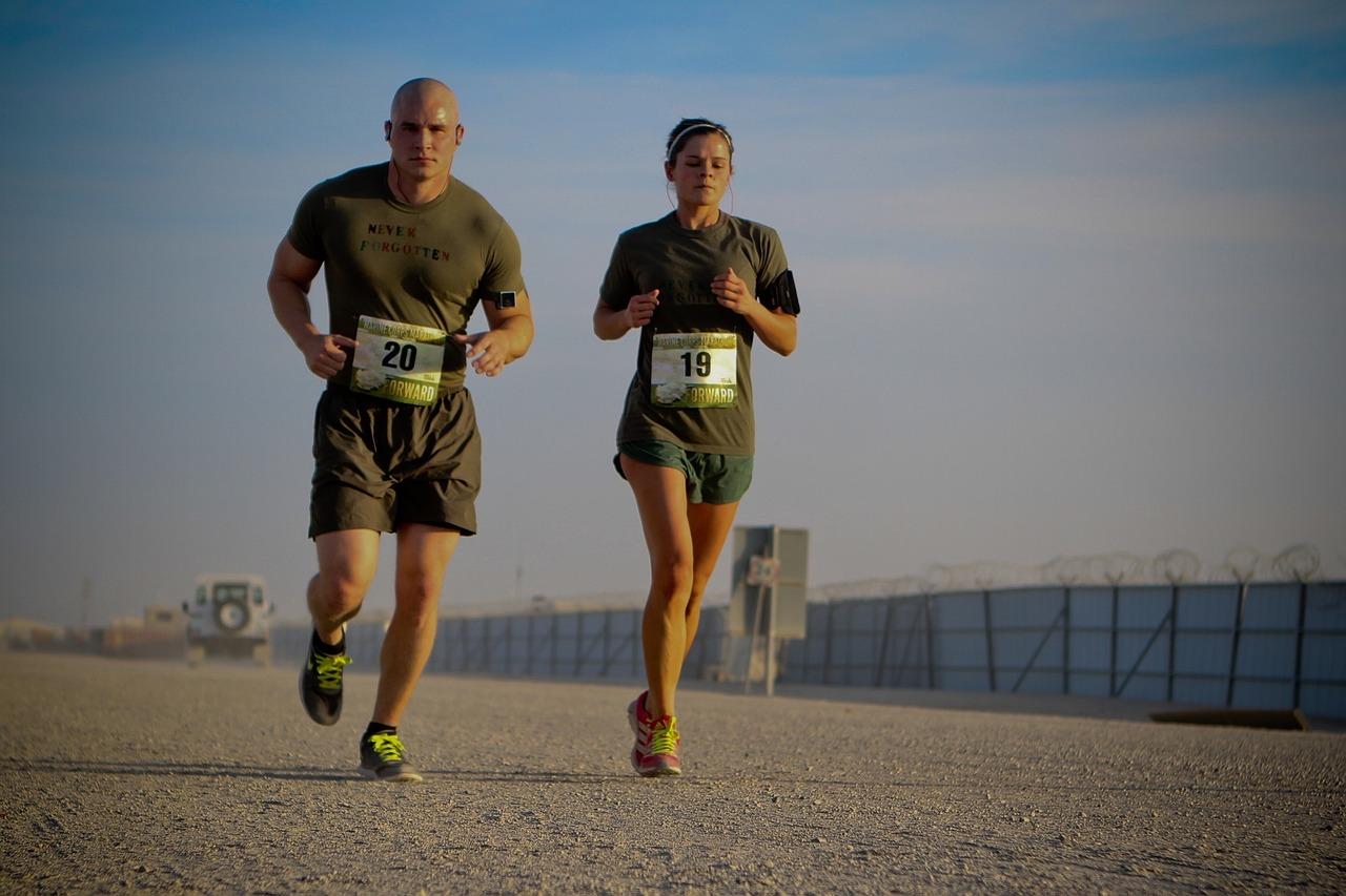 runners-888021_1280
